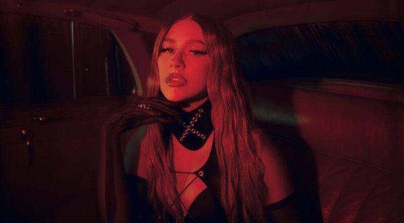 """Christina Aguilera lança seu aguardado single em espanhol """"Pa Mis Muchachas"""""""